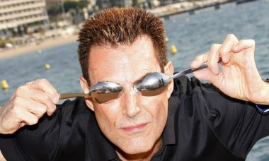 famous-people-secretly-spies-uri-geller
