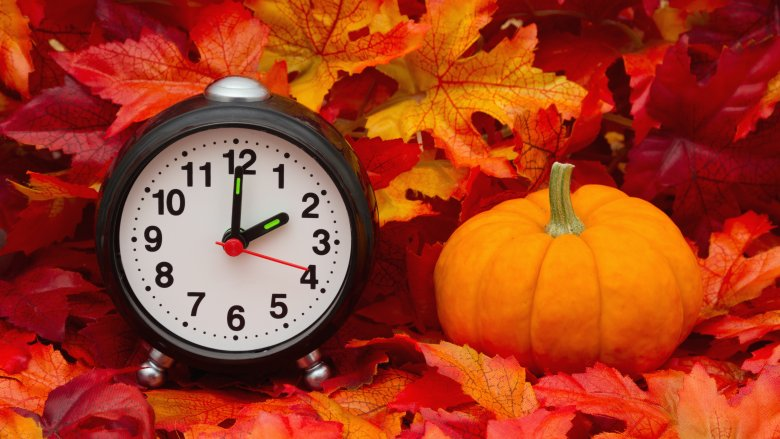 clock, leaves, pumpkin
