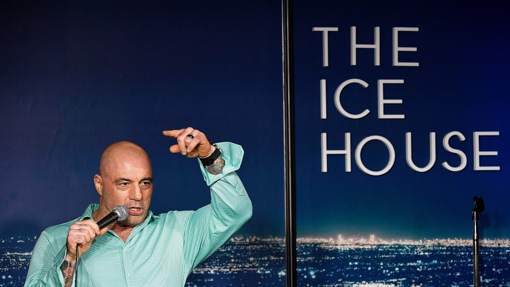 Where does Joe Rogan live and how big is his house?