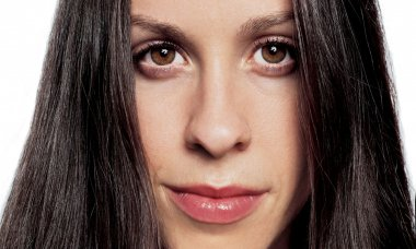 the-real-reason-you-don_t-hear-from-alanis-morissette-anymore